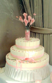 Pink favour box cakes .jpg